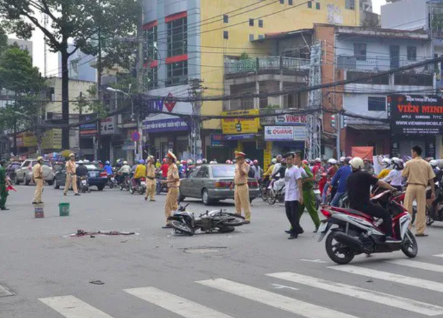 Giải quyết tai nạn, CSGT có thể huy động xe của người đi đường - 1
