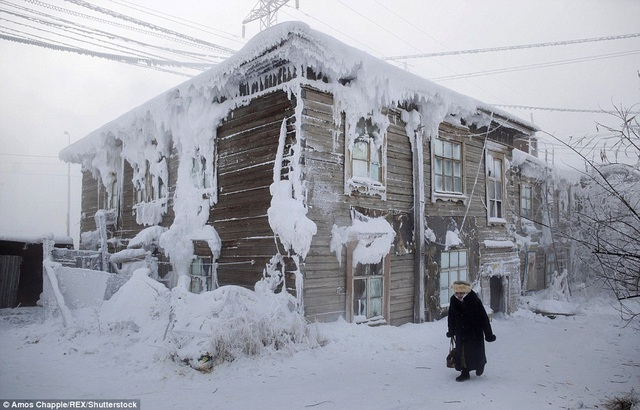 Thị trấn lạnh cóng -67 độ C đến mức lông mi phủ tuyết - 1