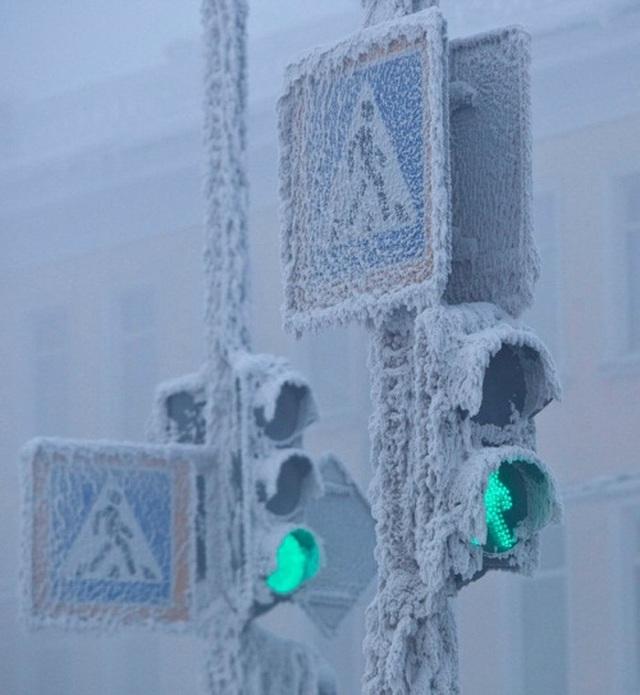 Thị trấn lạnh cóng -67 độ C đến mức lông mi phủ tuyết - 2