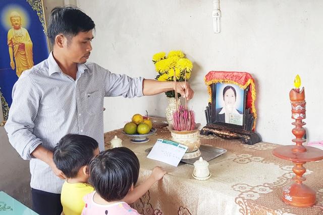 3 đứa trẻ thơ dại mồ côi mẹ được bạn đọc giúp đỡ hơn 61 triệu đồng - 3