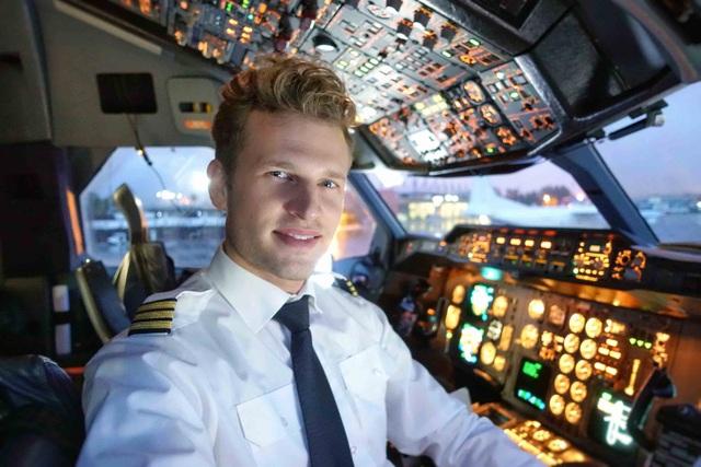 Tại sao phi công không được để râu, có sẹo trên người? - 1