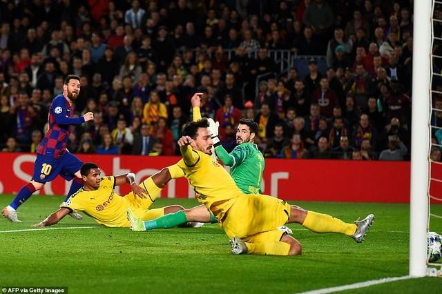 Messi tỏa sáng, Barcelona hạ Dortmund và giành vé đi tiếp - 3