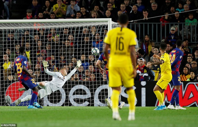 Messi tỏa sáng, Barcelona hạ Dortmund và giành vé đi tiếp - 10