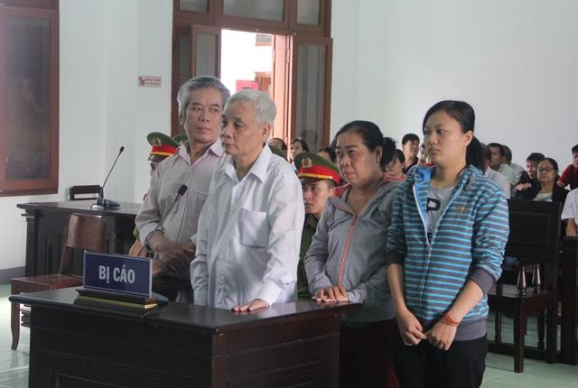 Vụ Chánh án tham ô tài sản: Hoãn phiên tòa vì vắng hơn 120 người liên quan - 1