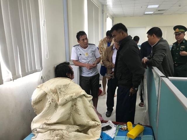Cứu thành công 18 thuyền viên nước ngoài gặp nạn trên biển Hà Tĩnh - 2