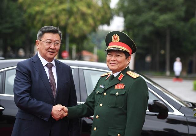 Bộ trưởng Quốc phòng Mông Cổ thăm chính thức Việt Nam - 2
