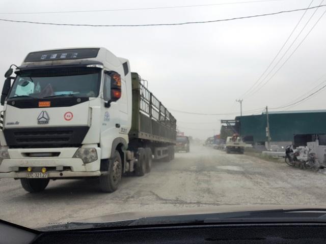 """Ninh Bình: Cận cảnh tuyến đường hơn 100 tỷ đồng chưa bàn giao đã """"nát bét""""! - 7"""