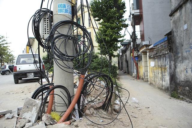 Hà Nội: Diện mạo nhếch nhác tại tuyến đường 3.100 tỷ vừa thông xe - 10