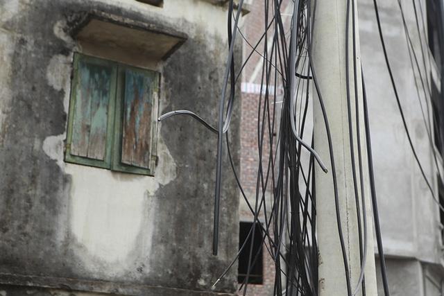 Hà Nội: Diện mạo nhếch nhác tại tuyến đường 3.100 tỷ vừa thông xe - 11