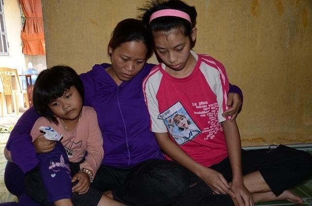 Người cha mù hát rong mơ có tiền ghép sọ cho con gái sau vụ va chạm với tàu hoả - 7
