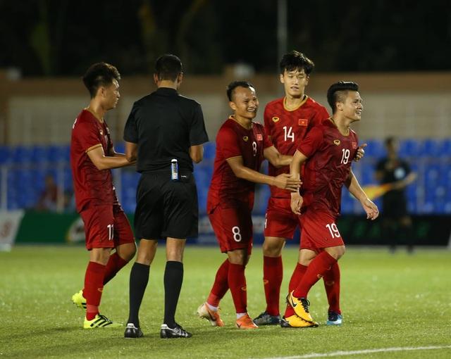 """Quang Hải: """"U22 Việt Nam tặng toàn bộ đồ ăn cho đội tuyển nữ"""""""