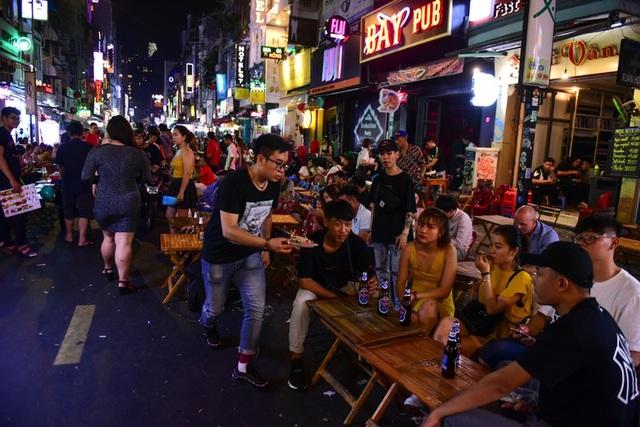 Hà Nội lọt top 10 thành phố đi nghỉ trăng mật tuyệt vời nhất châu Á - 2