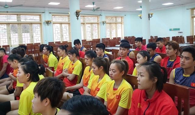 Ba đội bóng chuyền Việt Nam được tiếp lửa trước SEA Games - 1