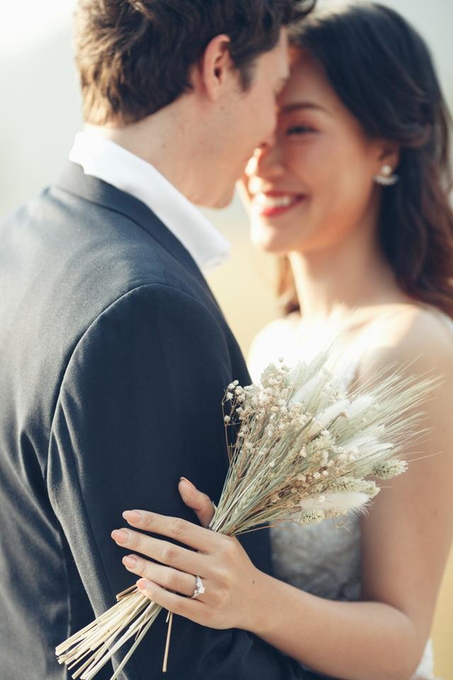 Trước thềm hôn lễ với chồng Tây, Hoàng Oanh khoe trọn ảnh cưới như mơ - 2