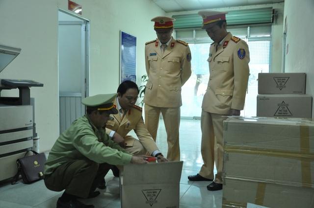 Bắt giữ lô mỹ phẩm Hàn Quốc gần 1 tỷ đồng buôn lậu qua đường sắt - 3