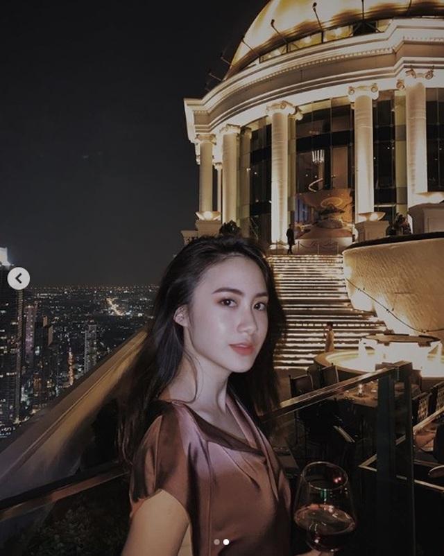 Hot girl Lào gốc Việt đẹp không tỳ vết, khoe thân hình vạn người mê - 11