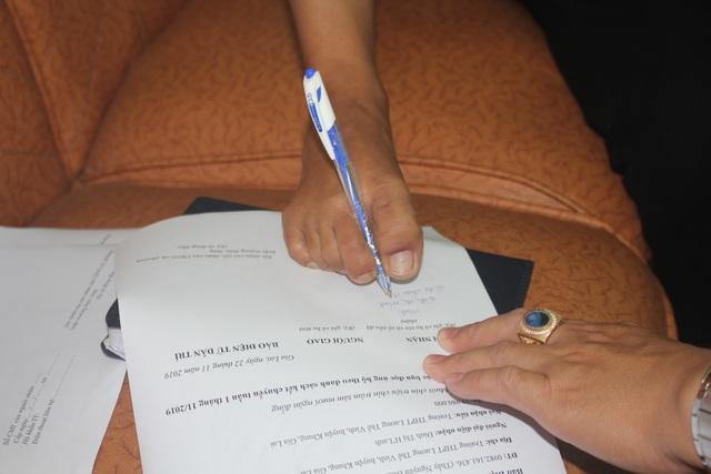 Nữ sinh người dân tộc Banar vẽ tương lai bằng đôi chân trần được bạn đọc giúp đỡ 28 triệu đồng - 2