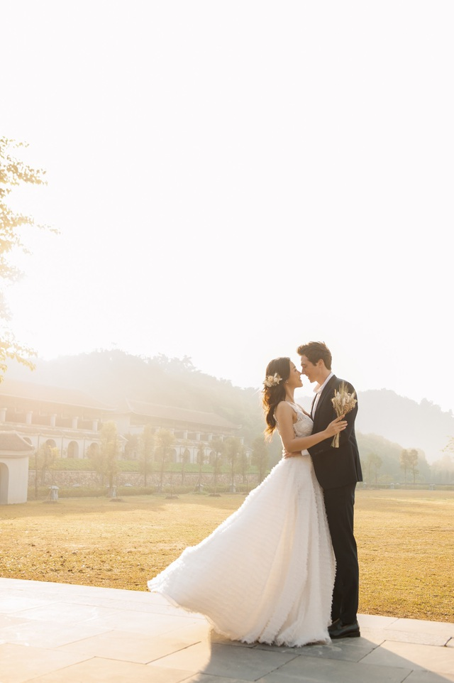 Trước thềm hôn lễ với chồng Tây, Hoàng Oanh khoe trọn ảnh cưới như mơ - 14