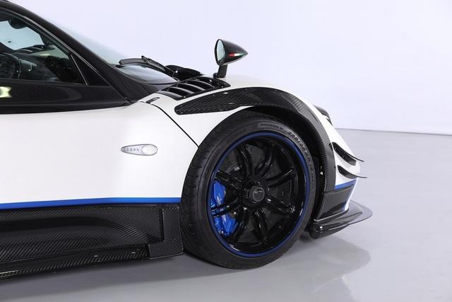 Cận cảnh siêu xe Pagani Zonda Riviera độc nhất giá 5,5 triệu USD - 3