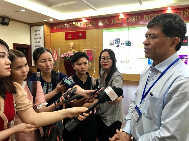 TPHCM: Trường học phải mua đủ 32 đầu SGK Bộ GD-ĐT công bố - 1