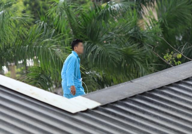 Thanh niên định nhảy từ tầng 23 khách sạn lại gây náo loạn Bệnh viện Đà Nẵng - 3