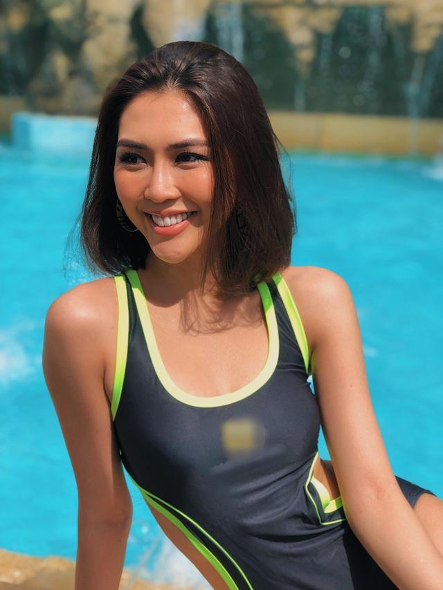 Người đẹp Tường Linh nóng bỏng với áo tắm - 10