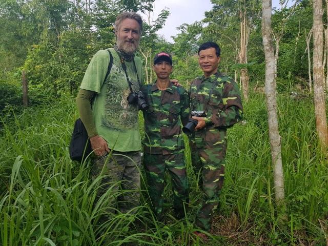Bảo vệ loài voọc đen gáy trắng quý hiếm trên 6 khối núi đá vôi ở Quảng Bình - 4
