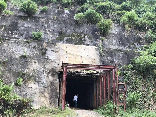 Chi hơn 19 tỷ đồng để xóa sổ mỏ vàng Bồng Miêu - 1