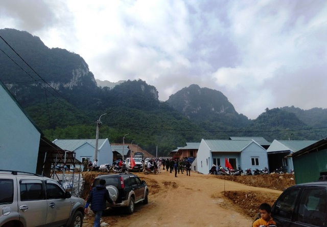Bản làng vùng biên từng bị lũ cuốn trôi đã có khu tái định cư đẹp như tranh - 2