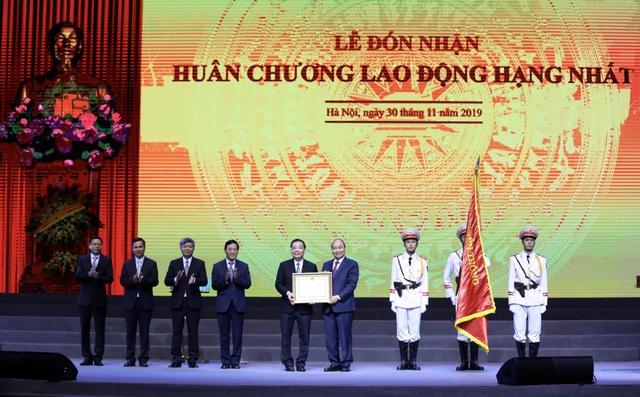 Bộ Khoa học và Công nghệ đón nhận Huân chương Lao động hạng Nhất - 1