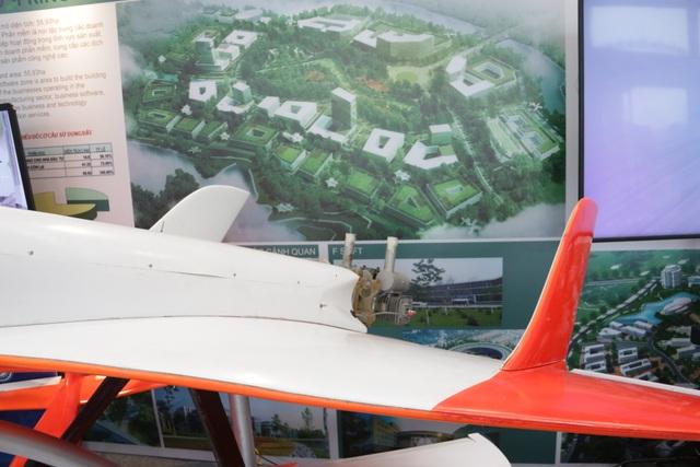 Cận cảnh siêu máy bay không người lái đạt tốc độ 300km/h - 5
