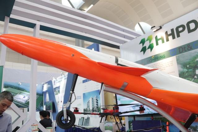 Cận cảnh siêu máy bay không người lái đạt tốc độ 300km/h - 6