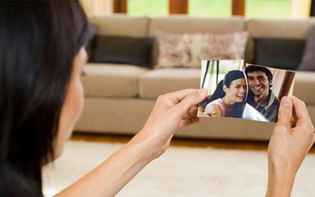 Kiên quyết chia tay khi đến nhà bạn trai tràn ngập hình ảnh vợ cũ - 1