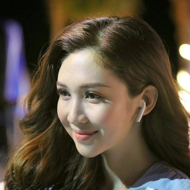 Nữ sinh 18 tuổi xinh đẹp là hoa khôi, MC đài truyền hình quốc gia - 3