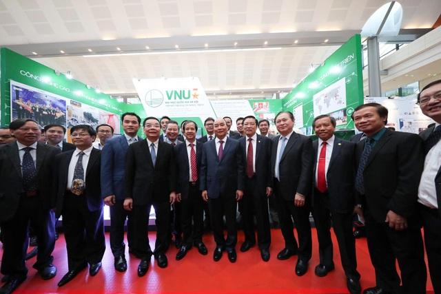 """Thủ tướng Chính phủ """"thị sát"""" các kết quả nghiên cứu của Đại học Quốc gia Hà Nội - 2"""