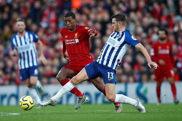 Liverpool 2-1 Brighton: Tấm thẻ đỏ tai hại của Alisson - 4