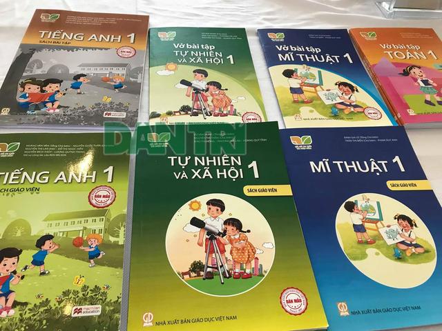 Chậm công bố SGK tiếng Anh: Tác giả Việt Nam đồng đứng tên có được không? - 2