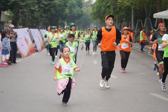 Hơn 2000 người tham gia Giải chạy vì bệnh nhân Parkinson - 1