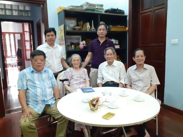Chuyện dạy con trong gia đình người Hà Nội có 3 con là giáo sư - 2