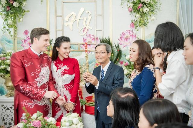 Vợ chồng Hoàng Oanh cấp cứu trước ngày cưới, xúc động trao nhầm nhẫn trong Lễ vu quy - 1