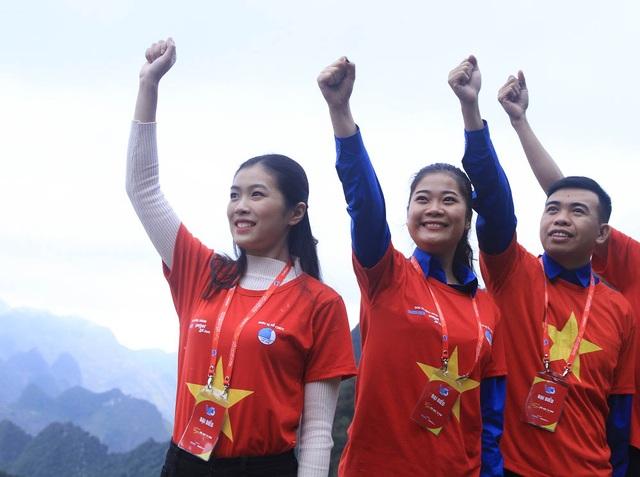 Lễ chào cờ đặc biệt tại cột cờ Lũng Cú mang thông điệp của 150.000 thanh niên - 8