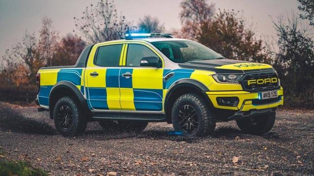 Cảnh sát Dubai chọn Tesla Cybertruck, trong khi người Anh tín nhiệm Ranger Raptor - 5