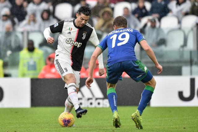 Buffon hóa tội đồ, Juventus bị truất ngôi đầu bảng - 1