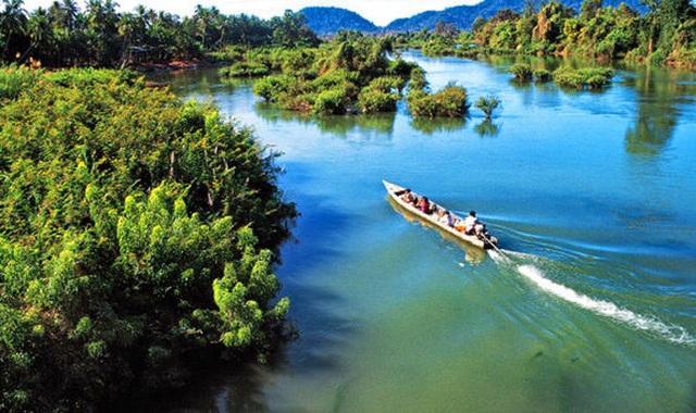 Nước sông Mekong đột nhiên đổi sang màu lạ - 3