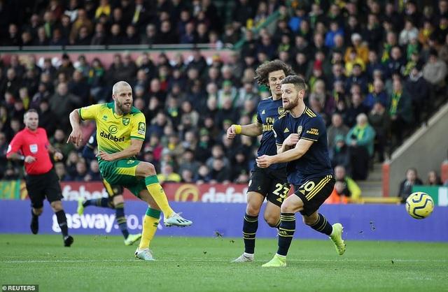 Norwich 2-2 Arsenal: Thay tướng chưa đổi vận - 1