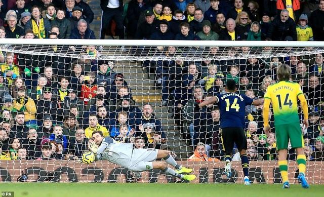 Norwich 2-2 Arsenal: Thay tướng chưa đổi vận - 4