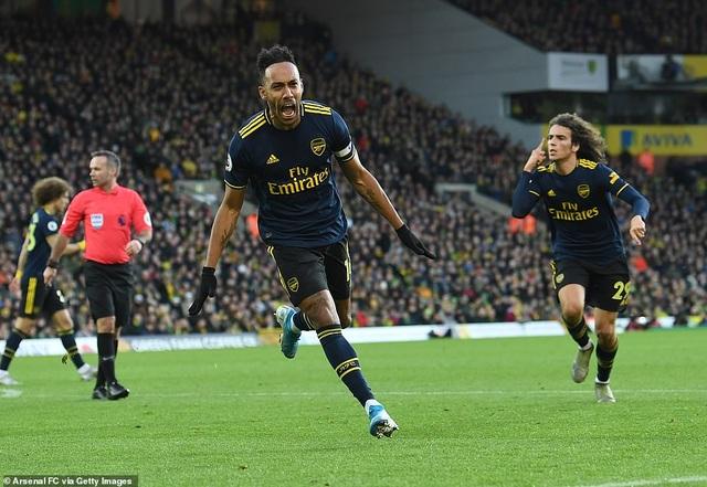 Norwich 2-2 Arsenal: Thay tướng chưa đổi vận - 2