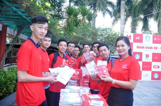 Sinh viên hành động thiết thực phòng, chống HIV/AIDS - 1