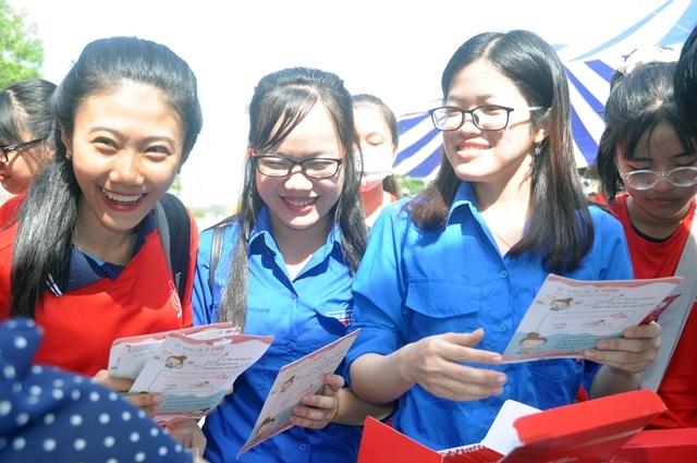 Sinh viên hành động thiết thực phòng, chống HIV/AIDS - 5