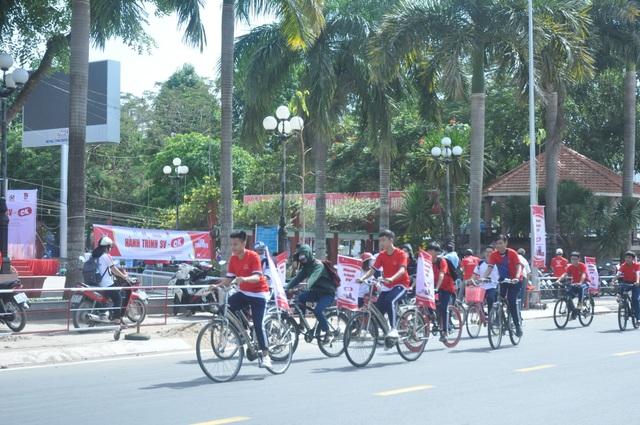 Sinh viên hành động thiết thực phòng, chống HIV/AIDS - 6